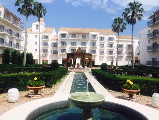 ホテル志摩スペイン村 南スペインの雰囲気を醸しだす中庭