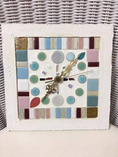 娘が作ったハンドメイドの時計